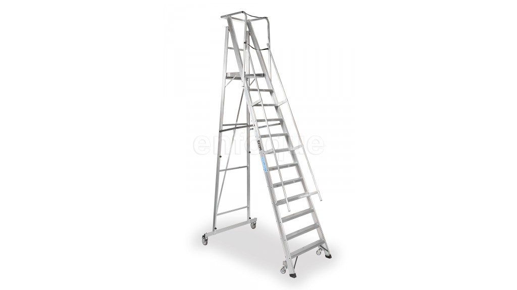 Escalera plegable con plataforma y guardacuerpos 12 for Escaleras altas plegables